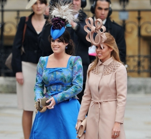 royal-wedding_hats_beatrice-and-eugenie